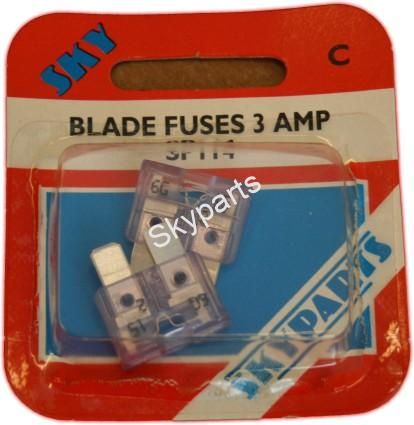 3 AMP BLADE FUSES CARDED